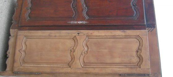 decapage de meubles en bois vernis : armoire, buffet, table