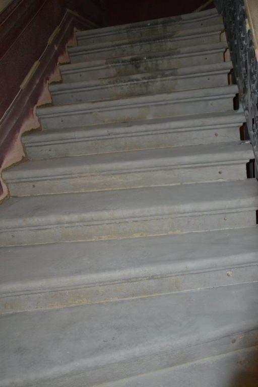 d capage colle moquette escalier ciment. Black Bedroom Furniture Sets. Home Design Ideas