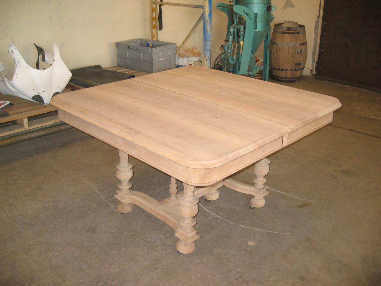 D capage meuble et sablage radiateur - Renover une table en bois en moderne ...