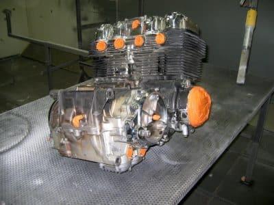 decapage et nettoyage de moteur procédé sec