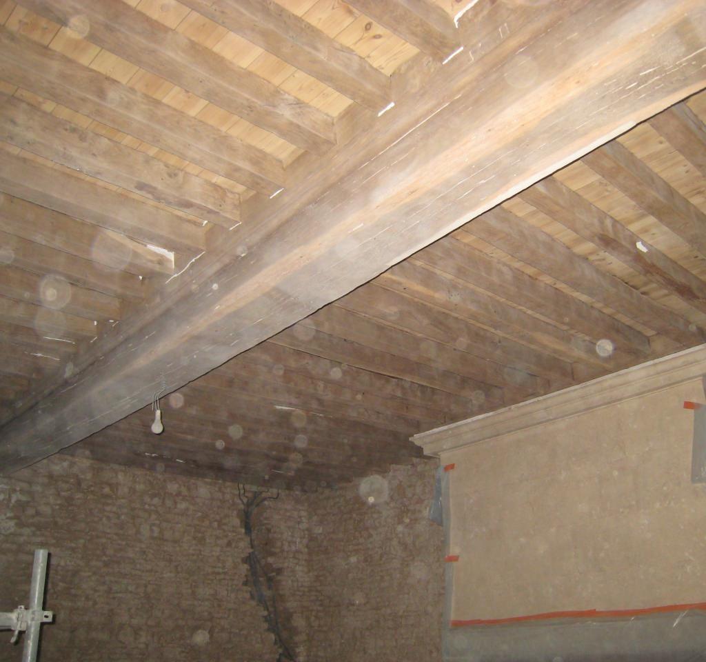 poutres plafond à la française décapées par aérogommage