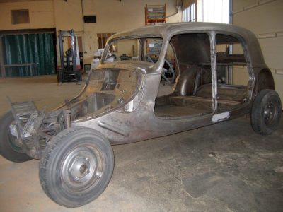 decapage et sablage de chassis citroën traction