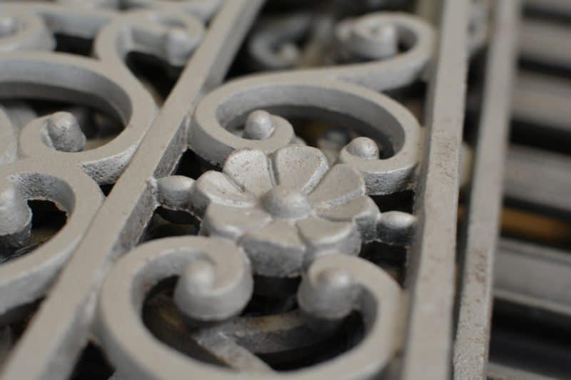 grille en fonte decapée