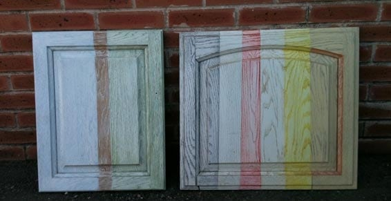 Décapage sablage de meubles portes de cuisine (restauration éléments de cuisine intégrée)