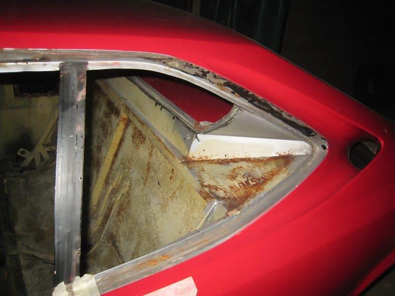 l'interieur de la 308 GT4 avant aérogommage