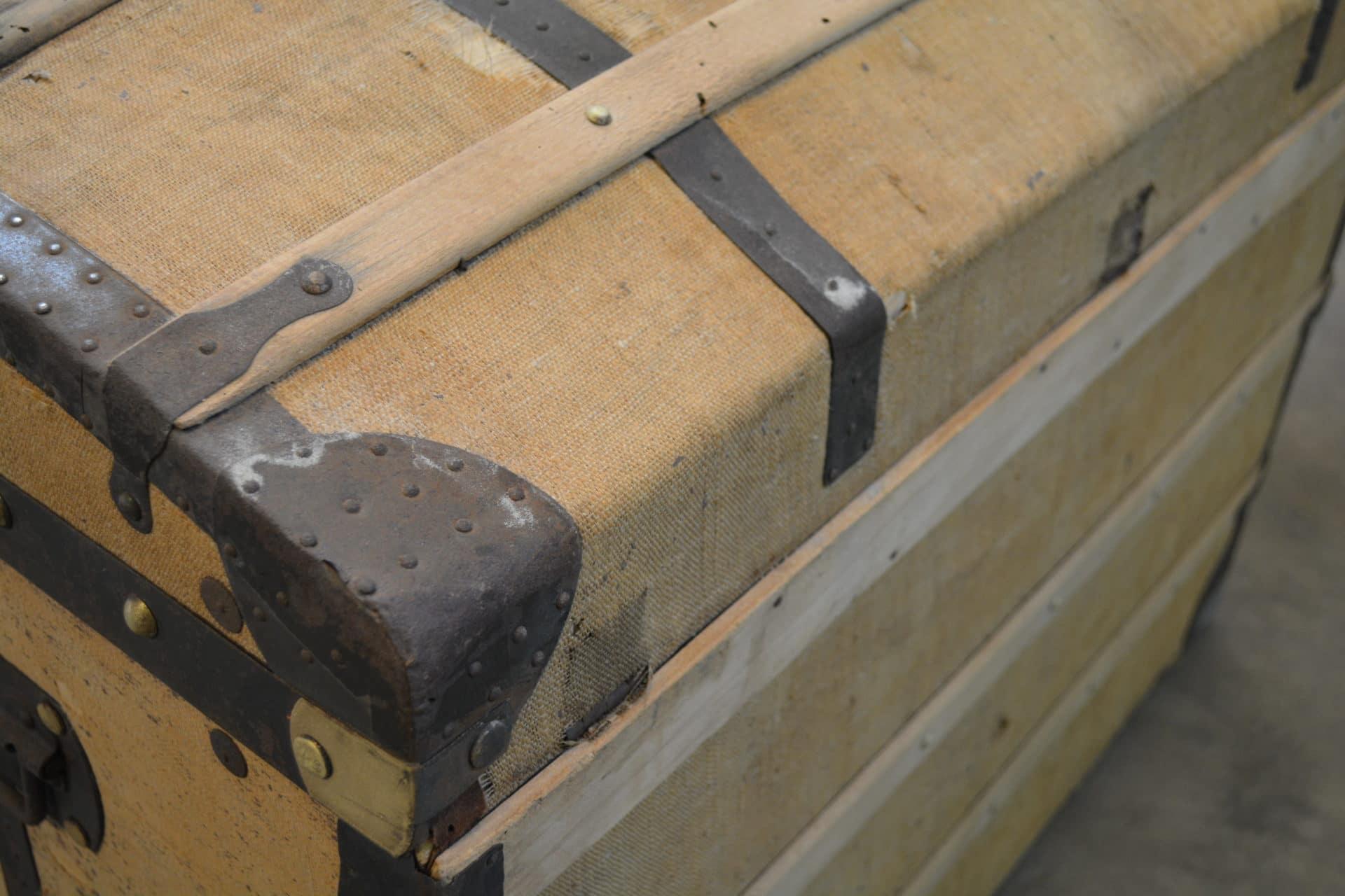 dcaper un escalier en bois with dcaper un escalier en. Black Bedroom Furniture Sets. Home Design Ideas