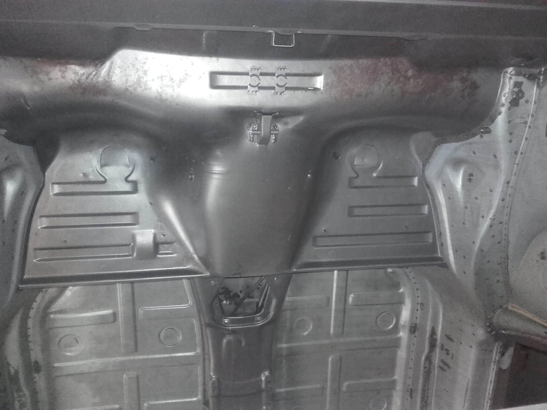 trace de corrosion au niveau des siege arrière