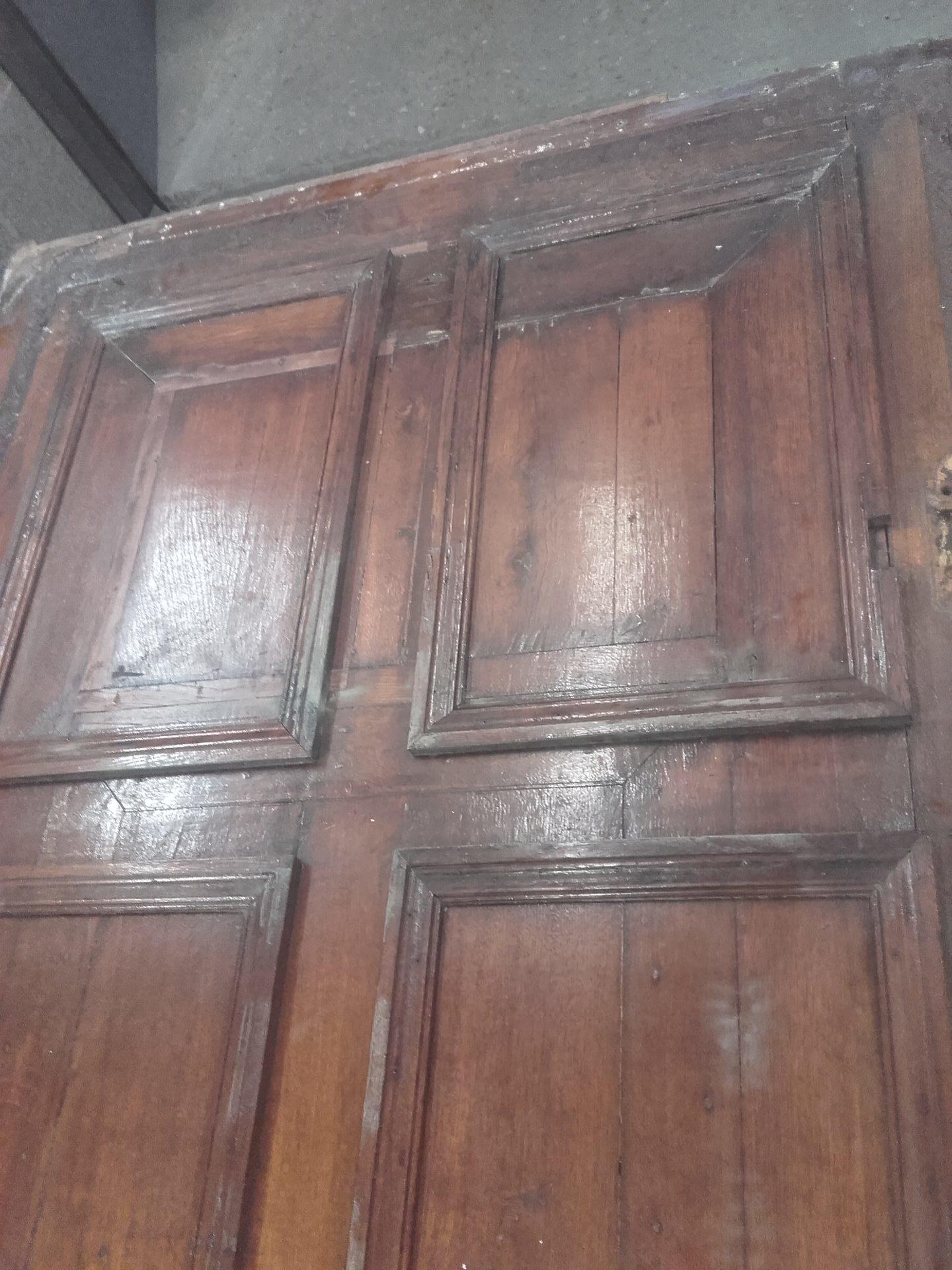 portes en bois vernis aérogommage
