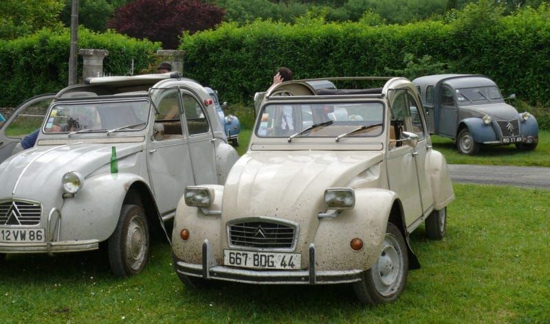 2cv6 azka 1977 avant restauration