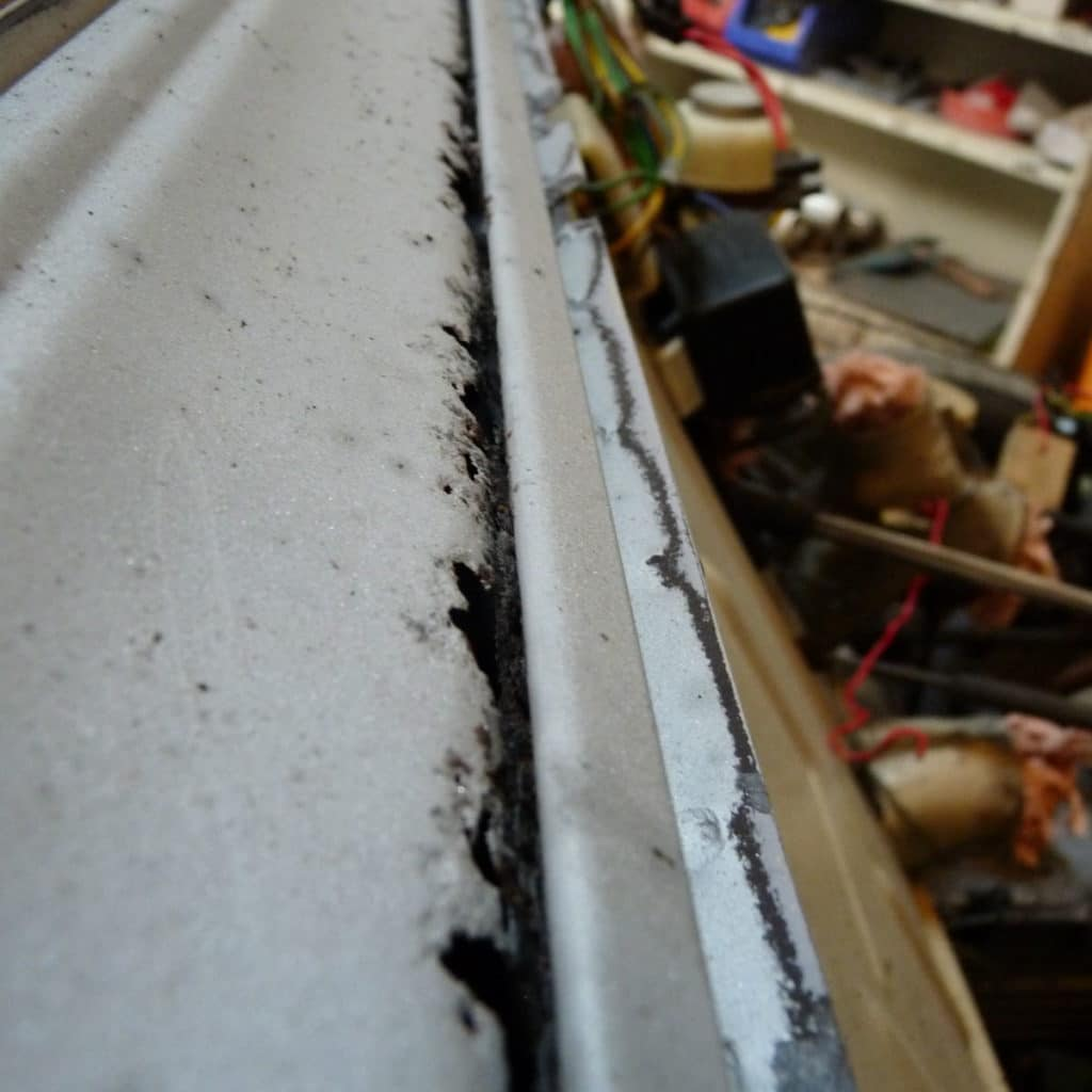 citroën 2cv corrosion preforante charnière de capot