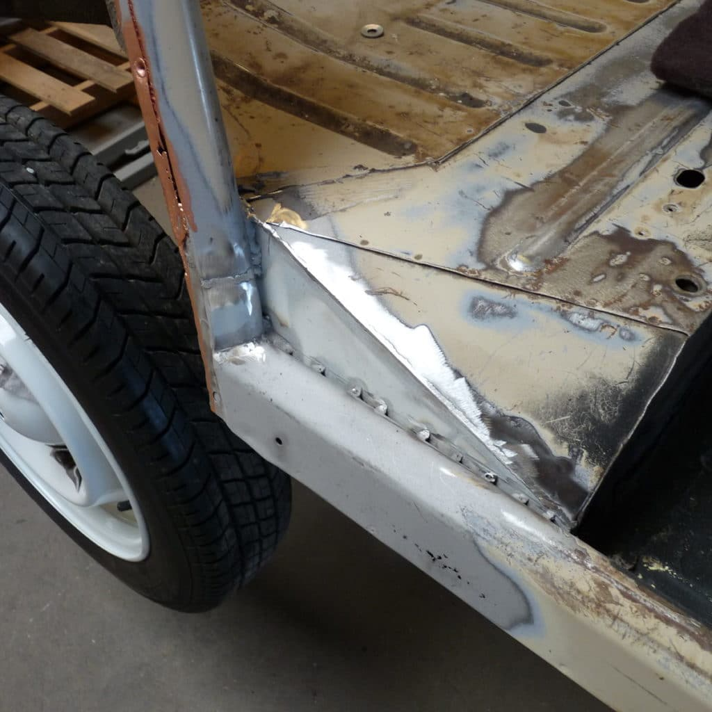 réparation carrosserie soudure montant arrière 2cv